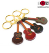 可愛いミニチュアのギター革キーホルダー(牛革)